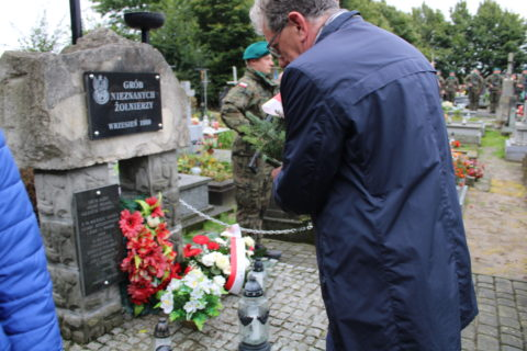 Apel Poległych w 82 rocznicę wybuchu II wojny światowej w Ujeznej